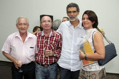 Silvino Espínola, JBBrito e o diretor Mirabeau Dias e esposa, Suely.