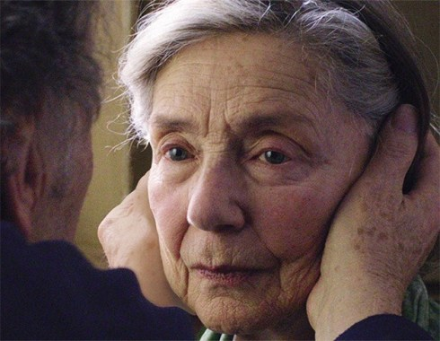 "Emmanuelle Riva e as mãos de Jean-Louis Trintignant: ""Amor"""