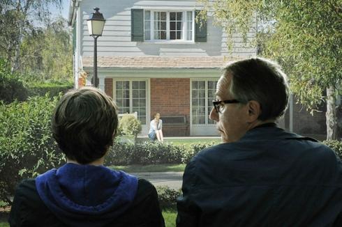 Claude (Ernst Umhauer e Mr Germain (Fabrice Luchini) espiam casas alheias
