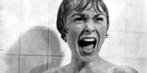 Janet Leigh, na famosa cena do chuveiro (Psicose, 1960)