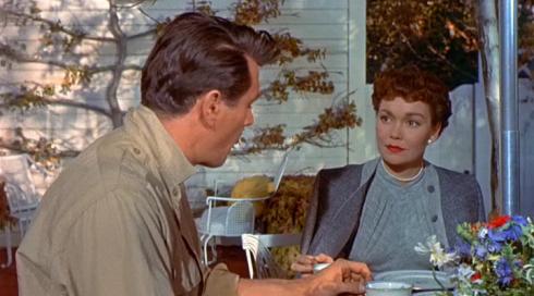 """Rock Hudson e Jane Wyman em cena do clássico """"Tudo que o céu permite""""."""