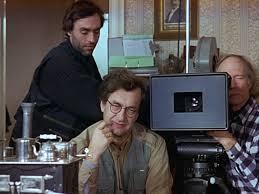 """Wim Wenders filmando e sendo filmado em """"Um truque de luz""""."""