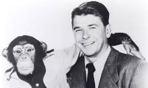 "Ronald Reagan em ""Bedtime for Bonzo""."