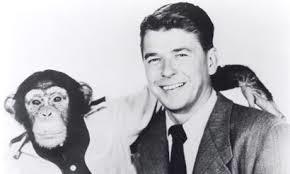 """Ronald Reagan em """"Bedtime for Bonzo""""."""