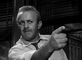 Lee J Cobb em grande interpretação, como o pai hostil