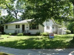 Residência típica em Bloomington, cidade onde fica a Indiana University.