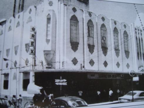 O Cinema Rex, em foto também nos anos oitenta.