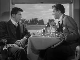 """Dois estranhos num trem em """"Pacto sinistro"""""""