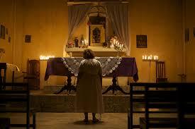A religiosa Dona Das Dores, na capela