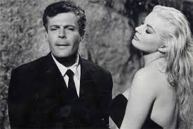 Anita and Mastroiani in Fellini´s masterpiece.