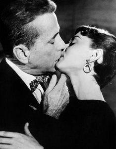 Audrey Hepburn e Humphrey Bogart, 1954.