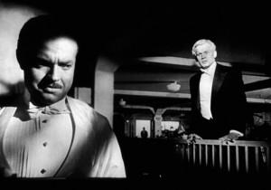 Orson Welles e Joseph Cotten em momento dramático.