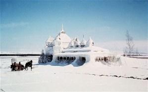 Frio e solidão na paisagem gelada da URSS.