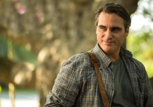 Joaquin Phoenix como o professor Abe Lucas.