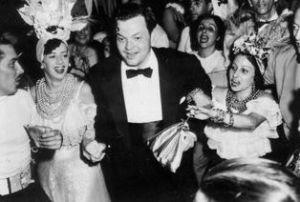 Mr Welles se divertindo no Rio de Janeiro.
