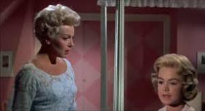 Lana Turner e Sandra Dee em conflito familiar.