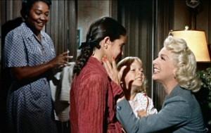 Sarah Jane: a garota que não aceita a mãe negra.