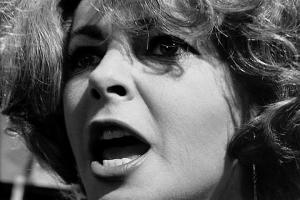 "Liz Taylor em ""Quem tem medo de Virginia Woolf?"" de Mike Nichols."