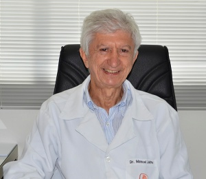 """O médico Manoel Jaime é co-roteirista de """"Américo - falcão peregrino""""."""