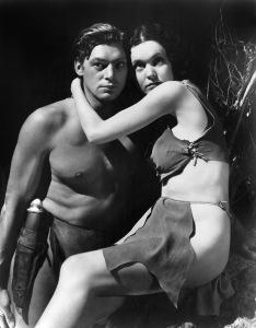 """Johnny Weissmuller e Maureen O´Sullivan, quase nús em filme de 1931, """"Tarzan, o homem macaco""""."""