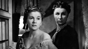 """Patroa e governanta, em """"Rebeca, a mulher inesquecível"""" (1940)"""