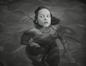"""Em """"Sangue de pantera"""", 1942, o mais temido é o que não se vê."""
